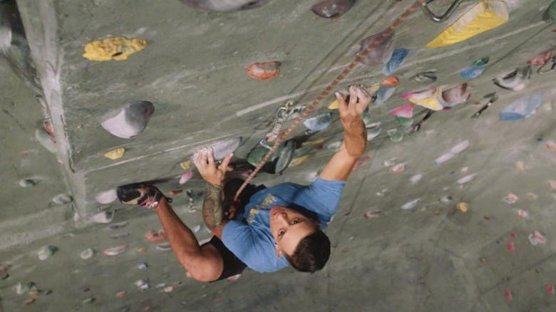 fit nation blind rock climber justin salas_00000000.jpg