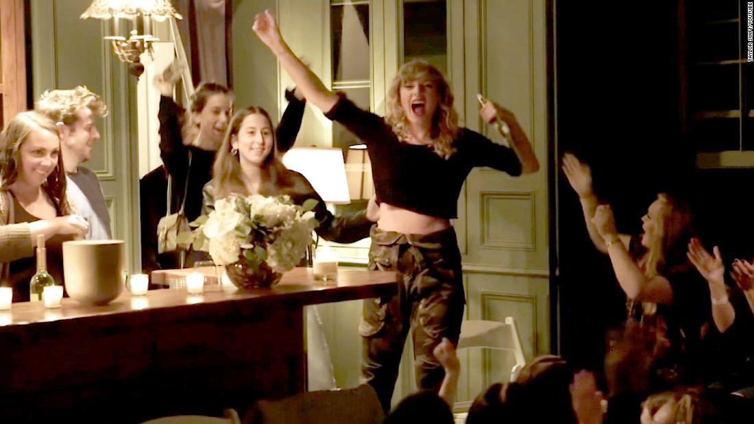 Las fiestas privadas de Taylor Swift con sus fanáticos ...