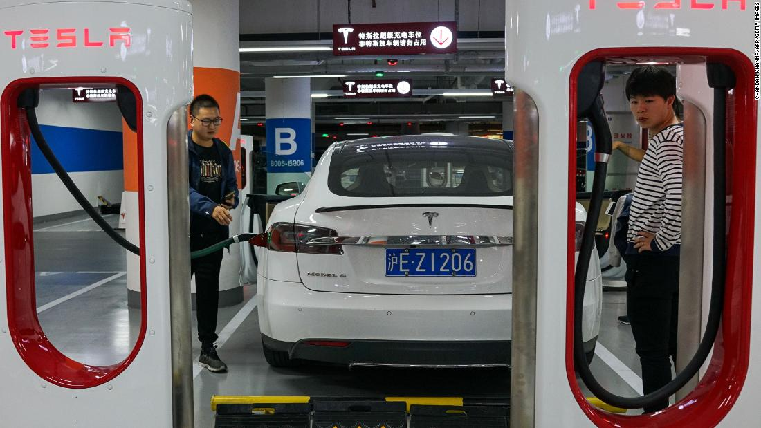 "Electric cars are ramping up production with more than 2 million electric cars on the road globally in 2016, and over 750,000 units sold over the year, according to the <a href=""https://www.iea.org/media/topics/transport/Global_EV_Outlook_2017_Leaflet.pdf"" target=""_blank"">Global EV Outlook 2017 report</a>."