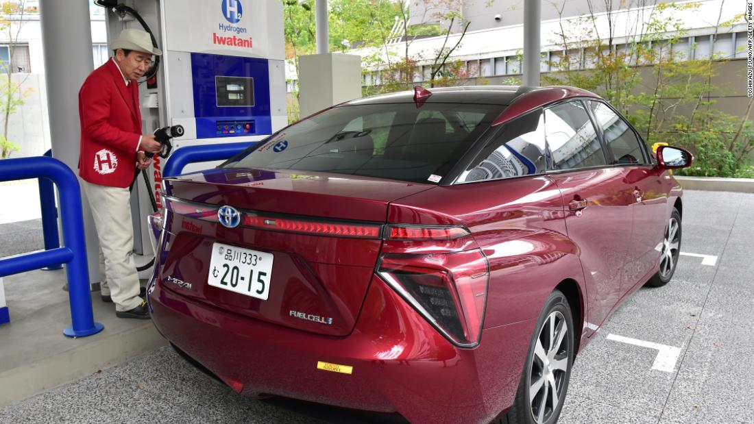 While hydrogen fuel cell technology continues to develop, there are only approximately 7,000 hydrogen fuel cell vehicles on the roads, according to the Hydrogen Council. This figure is expected to reach 10,000 by early 2018. <br /><br />Three popular models include the Toyota Mirai (pictured,) Hyundai Tucson FCEV and Honda Clarity.