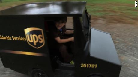 5-year-old 'fan' drives own tiny UPS truck