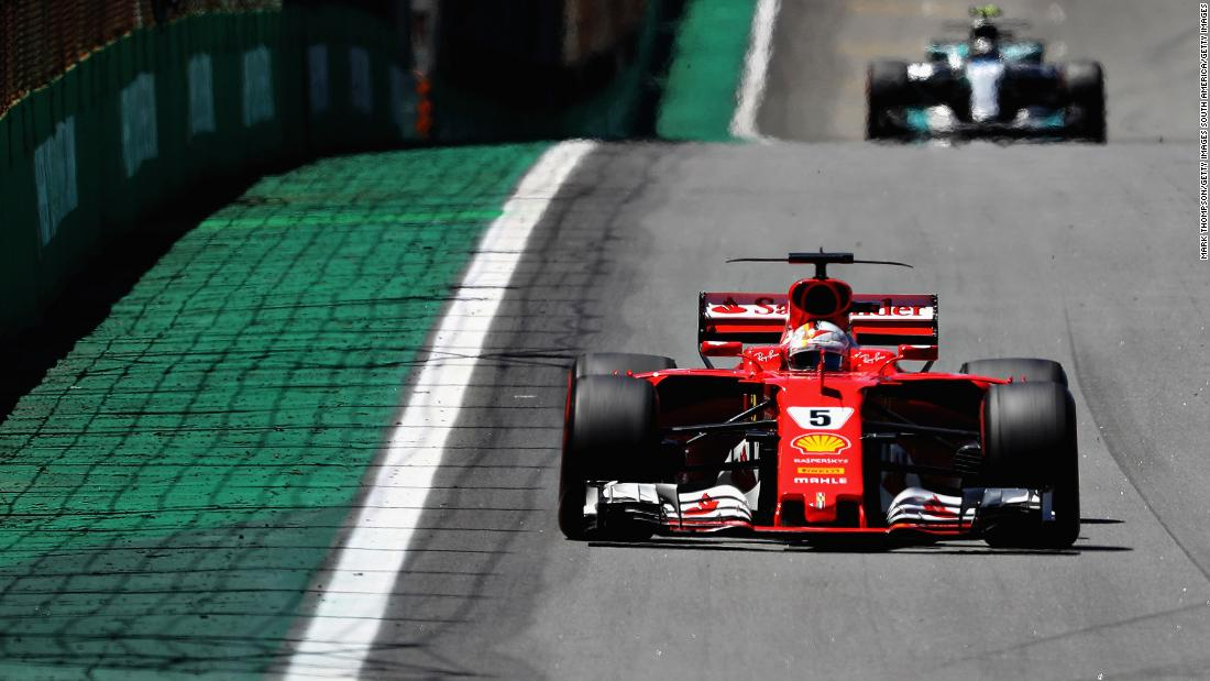 As the first half of the race unfolded Vettel managed to extend his lead over Bottas.