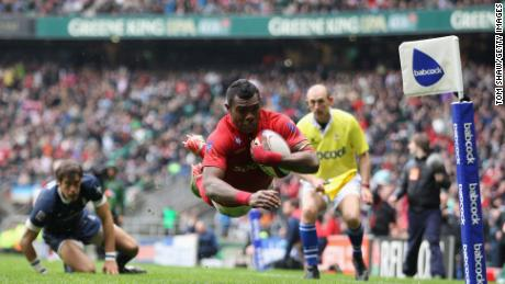 Rokoduguni scoring a try for the Army against the Navy at Twickenham in 2012