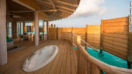 Outdoor bathtubs and showers: All villas have their own open-air bathtubs.