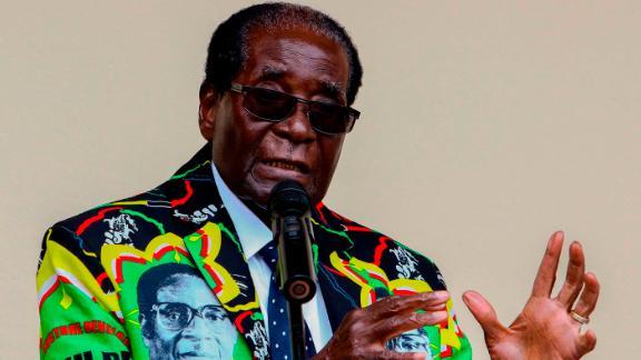 Mugabe speaks at the ZANU-PF party