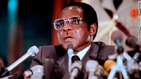 Chairman of the Non-Aligned Movement, Zimbabwean Prime minister Robert Mugabe, delivers a speech, on August 29, 1986, at the International centre of Harare, before the 8th non-aligned summit. / AFP PHOTO / ALEXANDER JOE        (Photo credit should read ALEXANDER JOE/AFP/Getty Images)