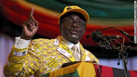 Zimbabwe parliament warns Mugabe: Turn up for hearing or face jail time