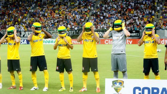 Corinthians football team wear replicas of Senna