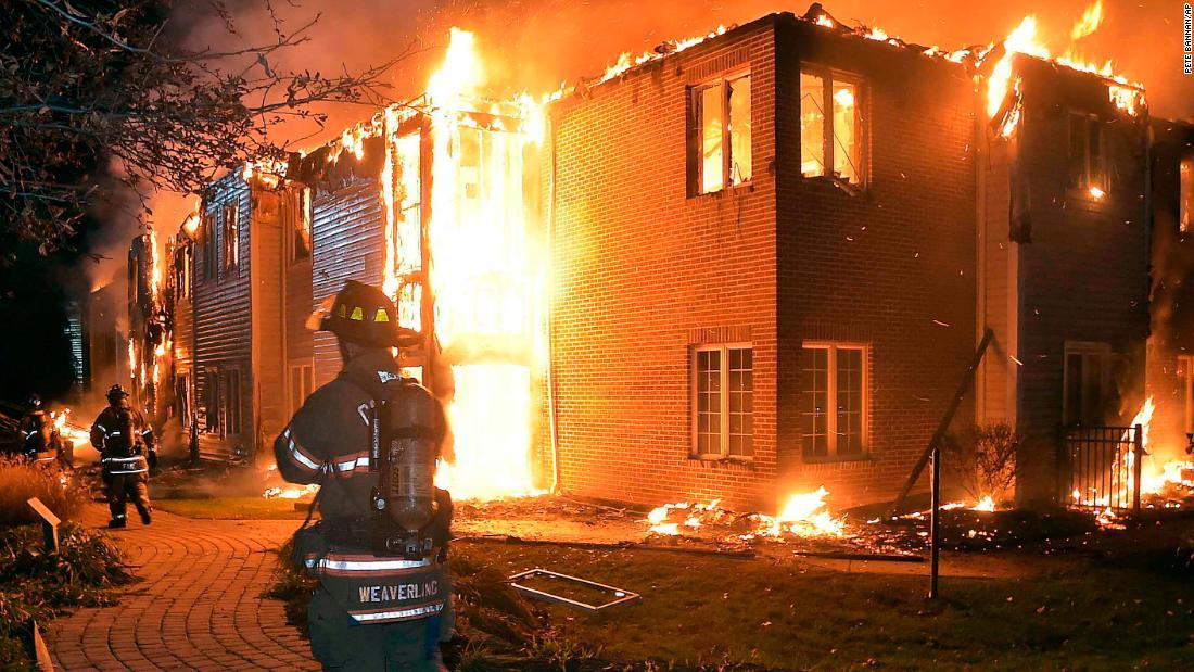 Katastrofalni požar u Australiji - Page 3 171117132015-01-nursing-home-fire-pa-1116-super-tease