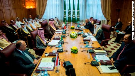 (L to R) Egyptian Foreign Minister Sameh Shoukry, Saudi Foreign Minister Adel al-Jubeir, Bahrain Foreign Minister Shaikh Khalid Bin Ahmed Al-Khalifa and UAE Minister of State for Foreign Affairs Anwar Gargash (R) attend a meeting with Secretary-General of the Arab League Ahmed Aboul Gheit (2nd-R) at the Arab League headquarters in the Egyptian capital Cairo on November 19, 2017.