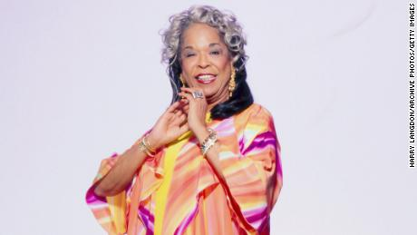 Actress and singer Della Reese poses for a portrait in 1990 in Los Angeles, California.  (Photo by Harry Langdon/Getty Images)