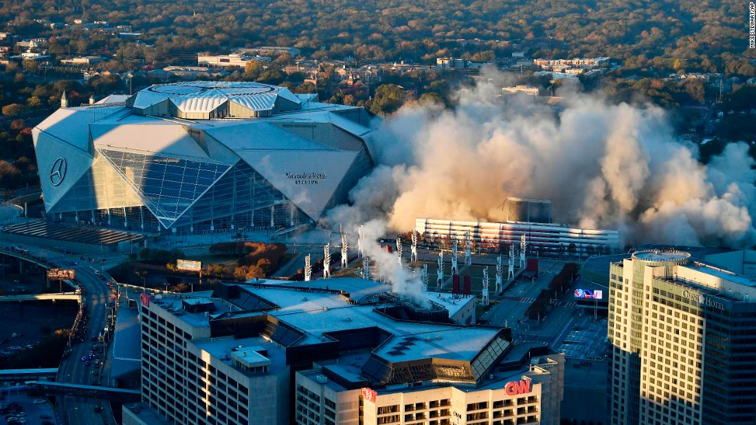 "The Georgia Dome <a href=""http://www.cnn.com/2017/11/20/sport/georgia-dome-imploded/index.html"" target=""_blank"">is imploded in Atlanta</a> on Monday, November 20. It was the only facility in the world to host the Olympics, the Super Bowl and the Final Four. The adjacent Mercedes-Benz Stadium opened this summer. <a href=""http://www.cnn.com/2017/11/13/sport/gallery/what-a-shot-sports-1114/index.html"" target=""_blank"">See 25 amazing sports photos from last week</a>"