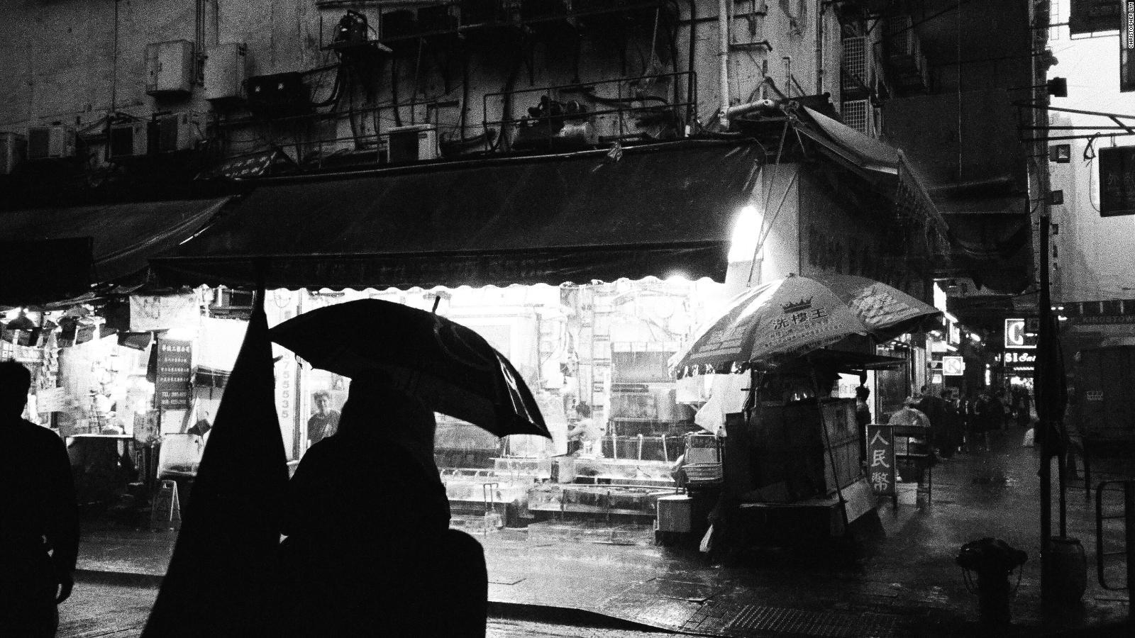 Hong Kong Street Photography Get Tips From A Pro Cnn Travel