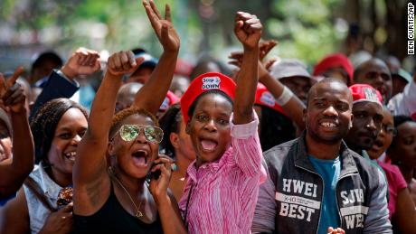 Celebration on Harare streets as Mugabe resigns