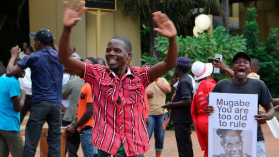 Zimbabweans celebrate Robert Mugabe