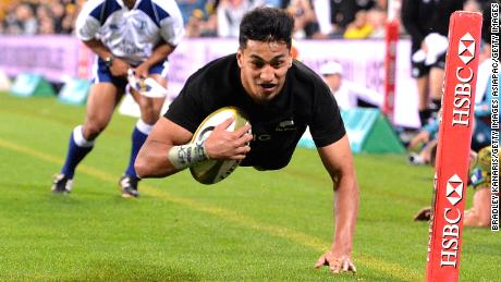 BRISBANE, AUSTRALIA - OCTOBER 21:  Rieko Ioane of the All Blacks scores a try during the Bledisloe Cup match between the Australian Wallabies and the New Zealand All Blacks at Suncorp Stadium on October 21, 2017 in Brisbane, Australia.  (Photo by Bradley Kanaris/Getty Images)