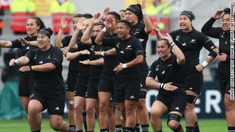 BELFAST, NORTHERN IRELAND - AUGUST 22:  The New Zealanad team perform the Haka prior to kickoff during the Women's Rugby World Cup 2017 Semi Final match between New Zealand and the United States at the Kingspan Stadium on August 22, 2017 in Belfast, United Kingdom.  (Photo by David Rogers/Getty Images)