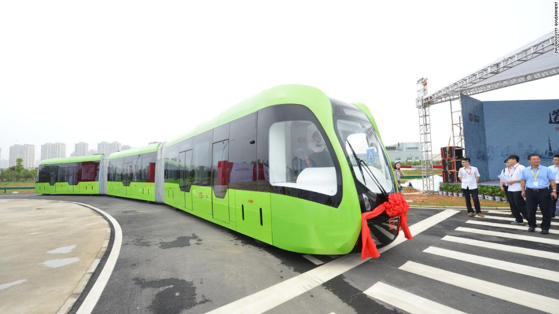 Developed by Beijing-based rail transit equipment manufacturer CCRC, it navigates the road using motion sensors instead of a traditional track. It also features rubber wheels.