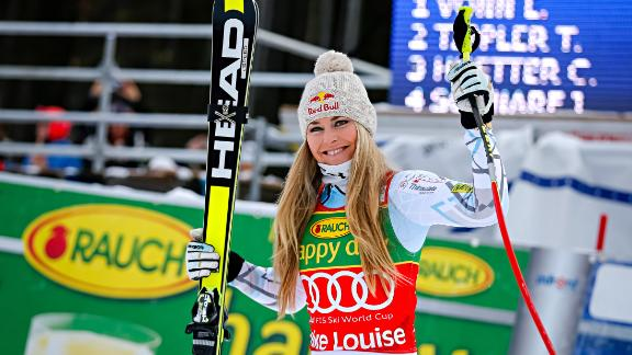 LAKE LOUISE, CANADA - DECEMBER 06: (FRANCE OUT) Lindsey Vonn of the USA takes 1st place during the Audi FIS Alpine Ski World Cup Women