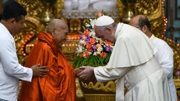 The Pope meets with Bhaddanta Kumarabhivasma, chairman of the State Sangha Maha Nayaka Committee, in Yangon on November 29.