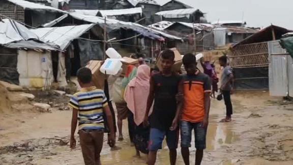 rohingya children schmidt intvw_00013723.jpg