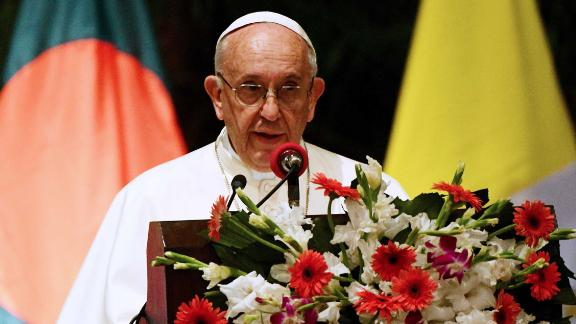 Pope Francis speaks at the presidential palace in Dhaka on November 30.