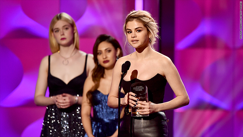 Selena Gomez gives emotional award speech