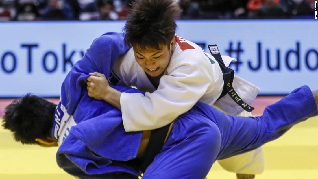 Her older brother Hifumi is a world champion and also captured the -66kg gold medal in Tokyo, barely 15 minutes after his sister's triumph.