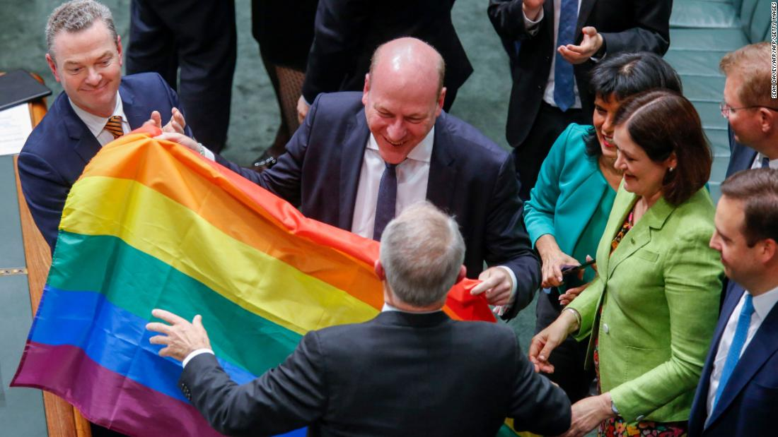 Singing In Parliament After Same-Sex Vote - Cnn Video-3682