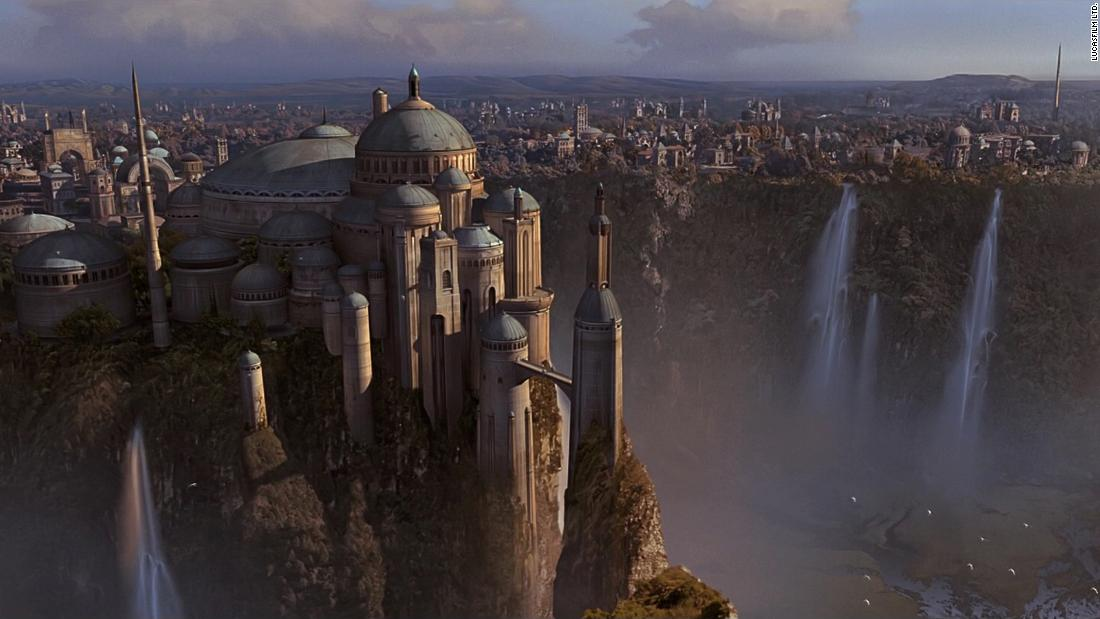 The royal palace of Theed, the capital of Naboo, utilizes a combination of Byzantine exteriors and Baroque/Rococo interiors, informed by the naturalistic style of American architect Frank Lloyd Wright.