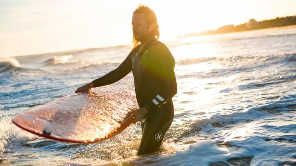 Surfing can be a way to decompress after a talk therapy session, said Manzi. When anxiety gets high, the water can have a calming effect for him and other vets.