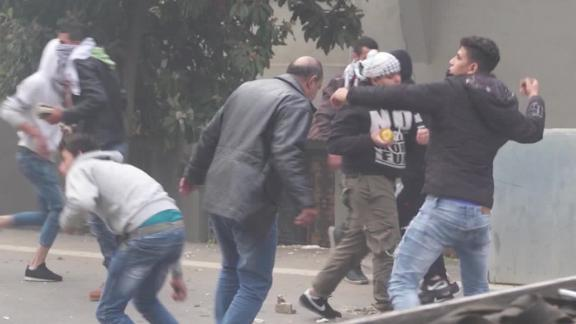 lebanon clashes erupt us embassy wedeman_00005717.jpg