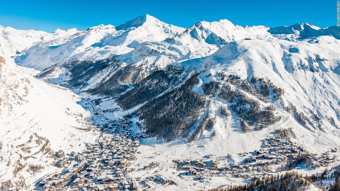 The actions crosses the pond for France's traditional European season opener in the world-class resort of Val d'Isere, high up in the Tarentaise valley.
