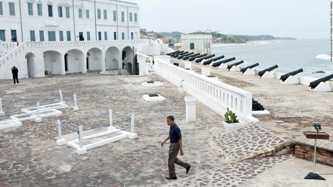 The Cape Coast Castle was visited by American president Barack Obama in 2009. It was used by<strong> </strong>the British to hold people in slavery before they were forced onto ships across the Atlantic in the 17th and 18th centuries.<strong> </strong>