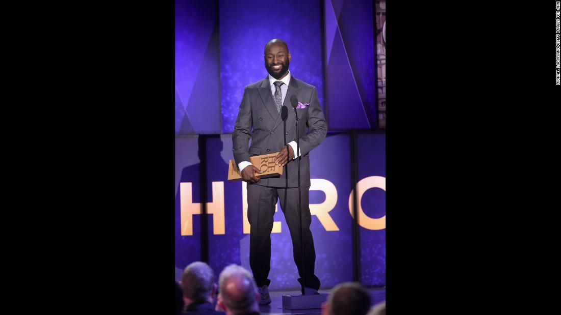 2017 CNN Hero Khali Sweeney accepts his award onstage.