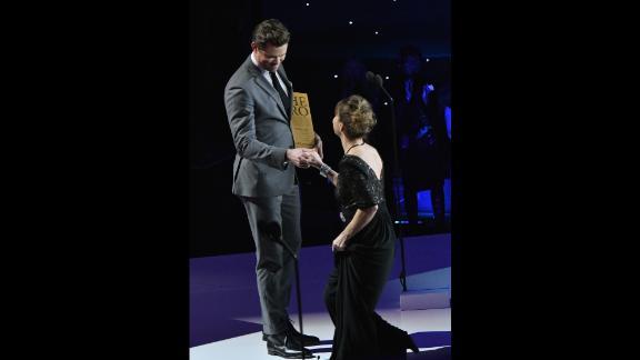 Actor Andrew Rannells welcomes 2017 CNN Hero Leslie Morissette.