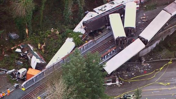 Aerial view of the jumbled rail cars in Washington State.