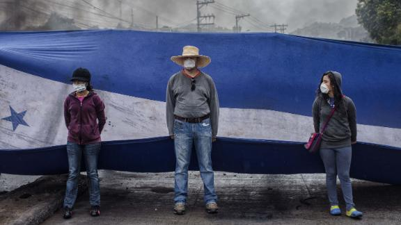 Protesters take to the streets against the re-election of President Juan Orlando Hernandez