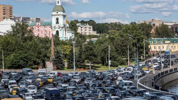 Moscow is the second-most congested city in the world, based on the average time drivers spend in rush hour traffic -- 91 hours, according to the INRIX 2017 Traffic Scorecard.