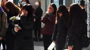 Jonghyun: Fans mourn death of SHINee K-pop star - CNN
