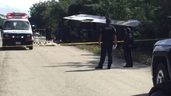 NS Slug: 11 TOURISTS KILLED, 15 INJURED IN MEXICO BUS CRASH  Synopsis: At least 11 tourists were killed in a bus crash in Mexico, while 15 others were injured.  Video Shows: Authorities at the scene of the accident    Keywords: SN- MEXICO TOURISM BUS CRASH ACCIDENT YUCATAN PENINSULA