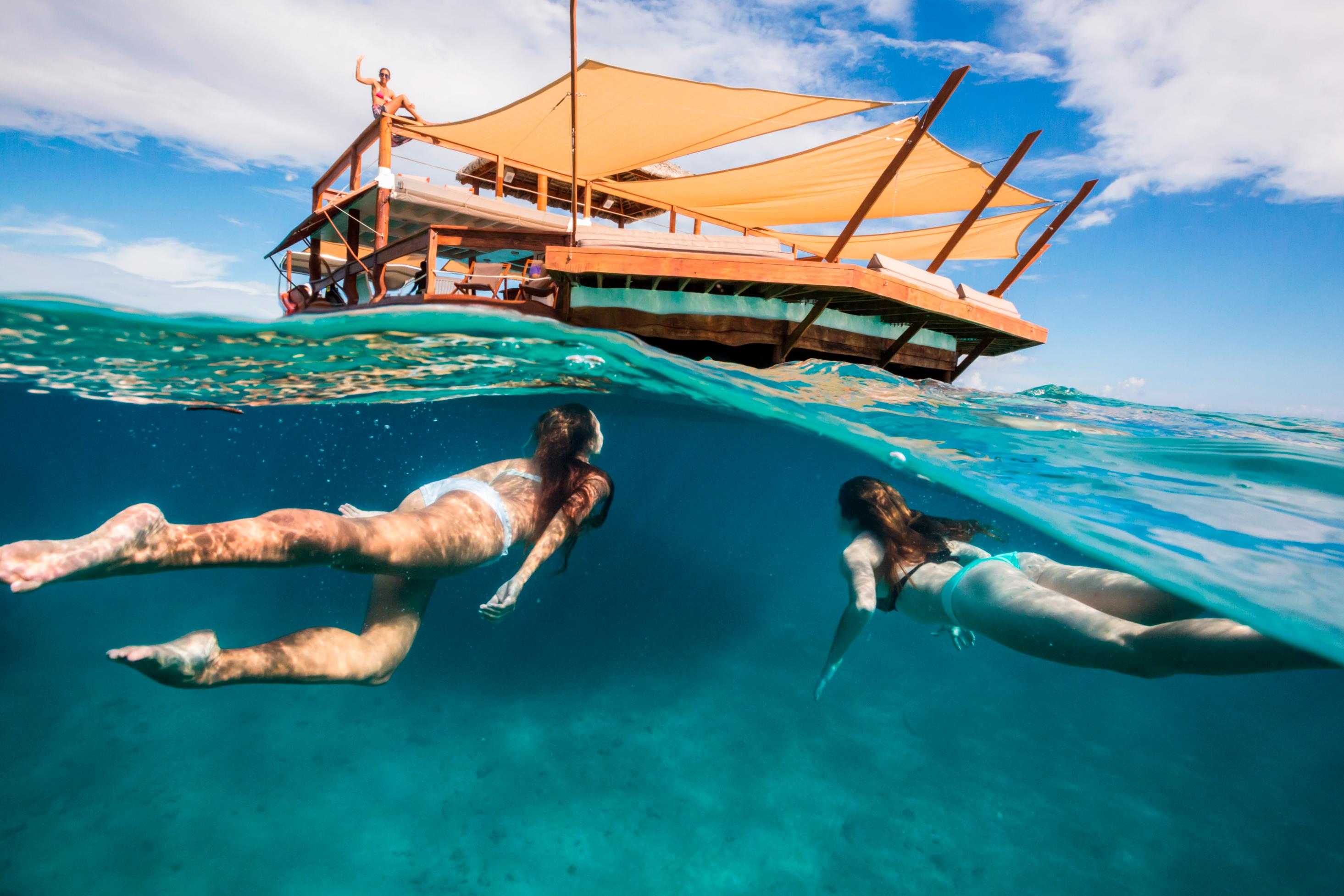 Cloud 9 Fiji Eat Pizza In The Middle Of The South Pacific Cnn Travel
