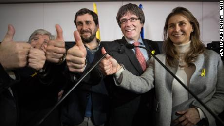 Catalan crisis: No mood for compromise after close vote