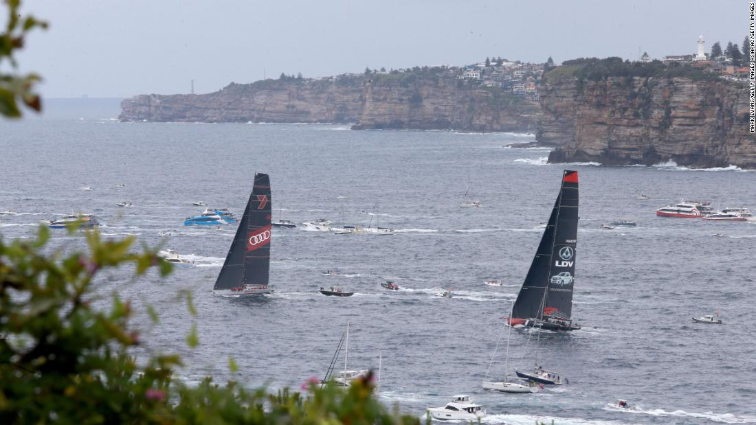 There was near collision as the two boats exited Sydney Heads where Wild Oats appeared to tack too close Comanche.<br />