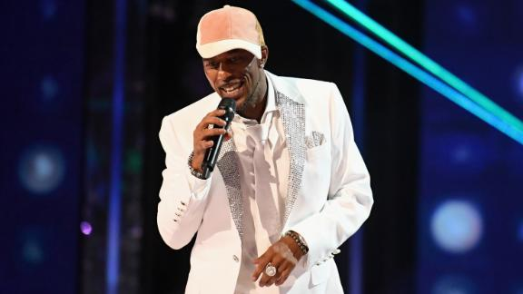 Cool it now. Singer Ralph Tresvant of New Edition got his big day on May 16.