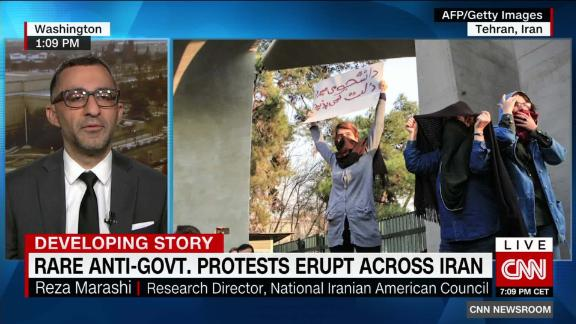 exp Iranians take part in biggest protests since 1999_00025919.jpg