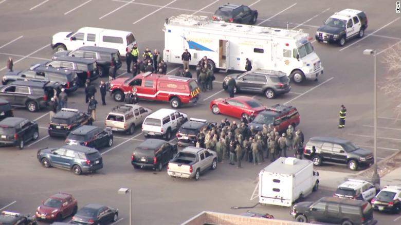 5 deputies shot, 1 killed in Colorado shooting