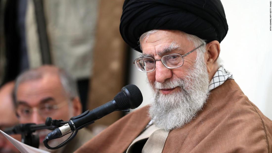 分析:イランの襲うのを避ける米国人が死亡した。 理由は以下の通りですが、