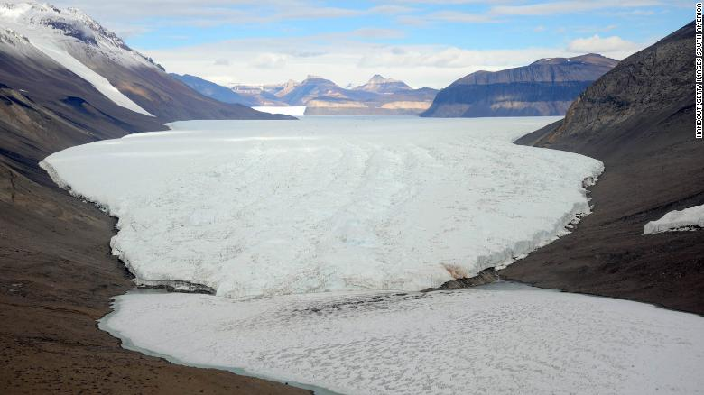 ANTARTICA - JANUARY 14:  In this handout image provided by the Monaco Palace, a general view of the the Dry Valley region is seen during Prince Albert II of Monaco  on January 14, 2009 in Antartica. It is one of the world's most arid regions with mountains 2,500 meteres above sea level.  (Photo by Monaco Palace via Getty Images)