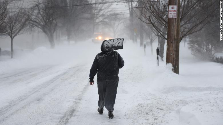 Northeast hammered by winter storm